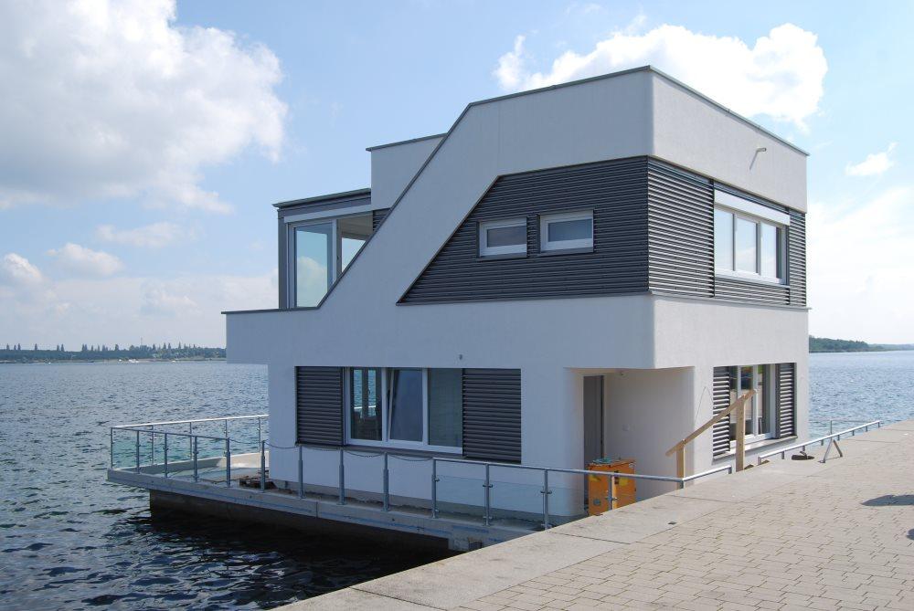 hausboot urlaub in sachsen anhalt hausboote mieten gro er goitzschesee ferienhausvermietung. Black Bedroom Furniture Sets. Home Design Ideas