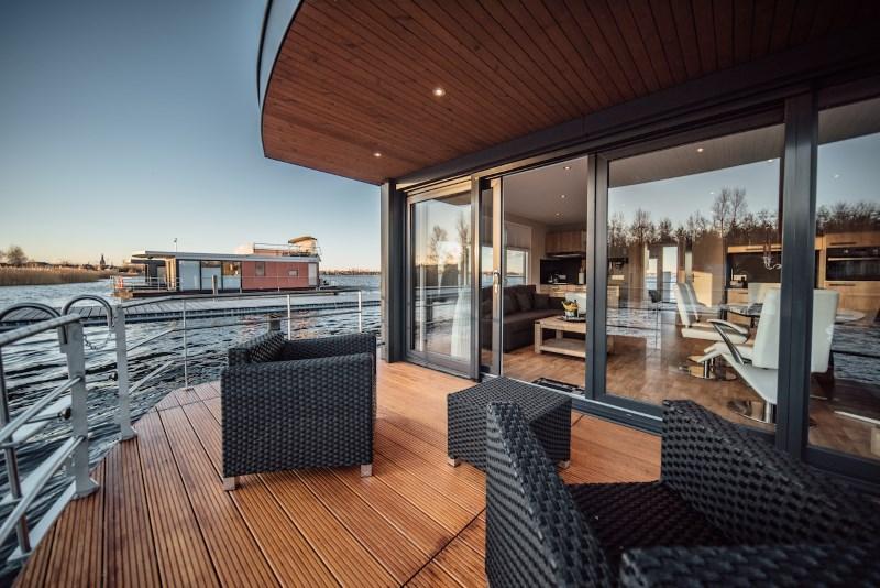 hausboot urlaub in sachsen anhalt hausboote mieten. Black Bedroom Furniture Sets. Home Design Ideas